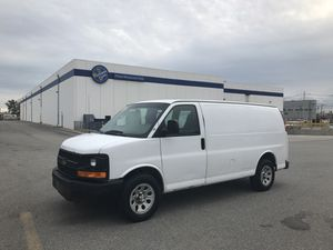 2009 CHEVY EXPRESS WHITE AUTOMATIC for Sale in Everett, MA