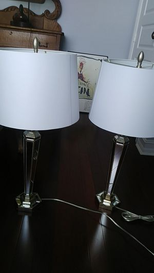 2 matching mirrored lamps for Sale in West Palm Beach, FL