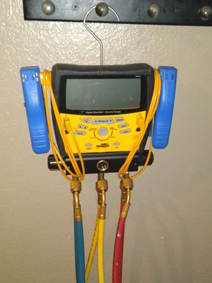 Fieldpiece digital refrigerant gauges for Sale in Wichita, KS
