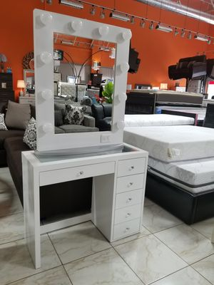 NEW VANITY MIRROR HOLLYWOOD DRAWER LIGHTS BULB USA MEXICO FURNITURE NOT IMPRESSIONS ADD FURNITURE AND MATTRESS AVAILABLE for Sale in Montclair, CA