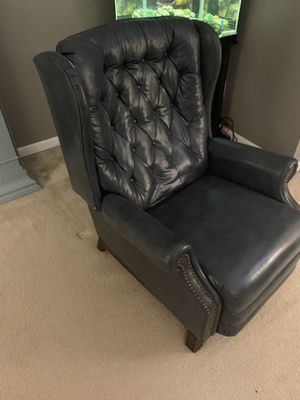 Small Hancock & Moore? high end blue leather recliner for Sale in Eno Valley, NC