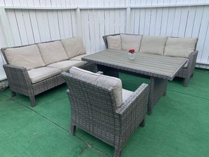 Patio furniture set for Sale in Los Angeles, CA