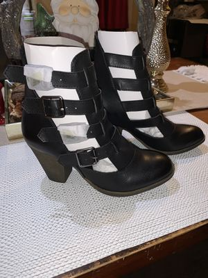 Blank heels size 6 for Sale in Lynwood, CA