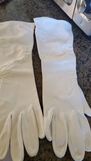 Vintage white gloves for Sale in Cranston, RI