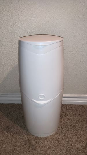 diaper genie for Sale in Englewood, CO