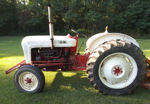 Ford 600 Series Tractor Runs Perfect for Sale in Pulaski, TN
