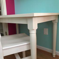 Desk & Chair for Sale in Vienna,  VA