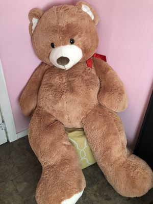6 ft. tall Teddy bear for Sale in Dallas, TX