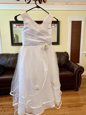 Flower girl dress or first communion size 8 for Sale in Chicago, IL