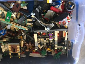 Lego Harry Potter Bin with minifigures. 25 pounds for Sale in Huntington Beach, CA