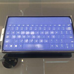 Logitech wireless keyboard for Sale in Burbank, CA