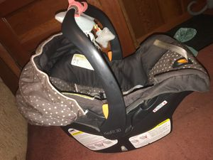 Barely used baby car seat for Sale in Nashville, TN