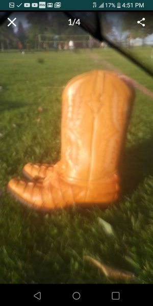 Genuine Caiman alligator boots size 8 for Sale in Westminster, CA