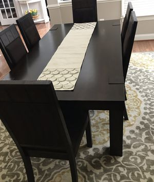 Dining table with 6 chairs, excellent condition $700 for Sale in Ashburn, VA