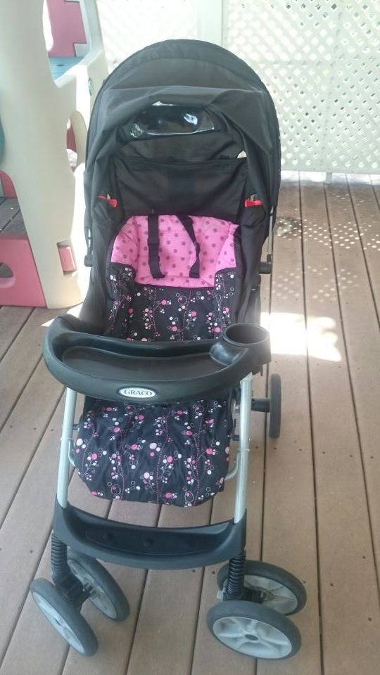 Graco car seat with base and stroller