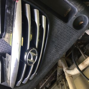 Hyundai Elantra 2010 Grill And Right Light for Sale in Tampa, FL
