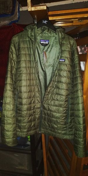 New XL Men's Patagonia Micro Puff Hoody Jacket. for Sale in Garden Grove, CA