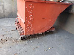 Trash bin for Sale in Los Angeles, CA
