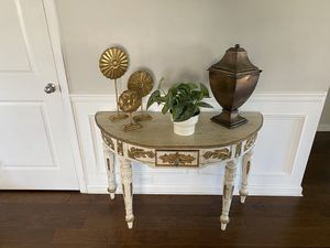 Antique end table for Sale in McDonough, GA