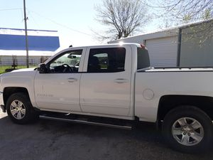 Chevy 1500 4 door for Sale in Shelbina, MO