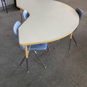 Childrens Adjustable Desk for Sale in La Palma, CA