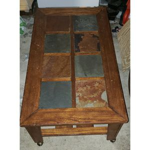 Coffee table and end table for Sale in Fresno, CA