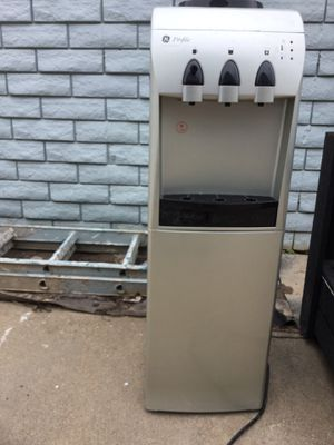 Water cooler with refrigerator on bottom 25 bucks pick only for Sale in Wichita, KS