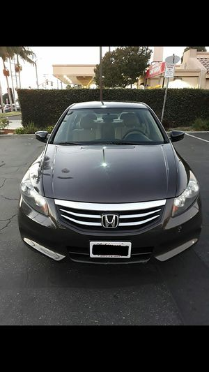 HONDA ACCORD 2012..4 CYLINDERS GAS SAVER..140KMILES..SALVAGED TITLE.. NINGÚN PROBLEMA MECÁNICO..NO LEAKS..NO ISSUES.. EXCELLENT CONDITION.!! for Sale in Paramount, CA