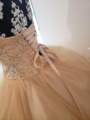 Kinsineta prom dress for Sale in Spring, TX