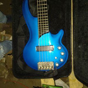 Signature Bass Guiatr Brandnew for Sale in Portland, OR