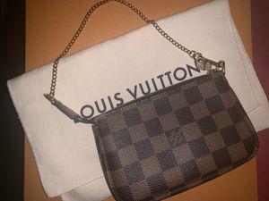 Louis Vuitton mini pochette for Sale in Los Angeles, CA