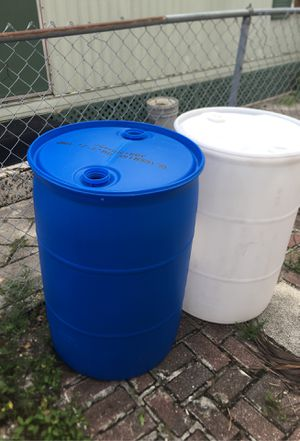 Plastic barrels for Sale in Pompano Beach, FL