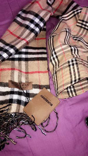 Burberry scarf and hat for Sale in Taylorsville, UT