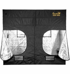 GORILLA LITE GROW TENT 4x8 for Sale in Cleveland, OH
