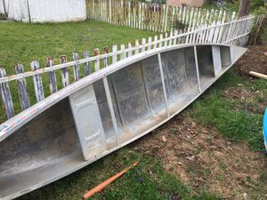 17 ft canoe for Sale in Obetz, OH