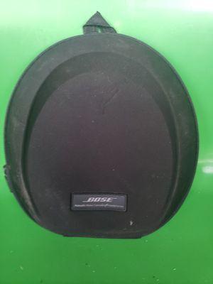 Bose headphones. Noise cancelling case for Sale in Brandon, FL