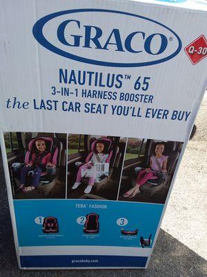 Graco Nautilus 3-IN-1 Harness Booster car seat New inbox open Nuevo en caja abierta price $149.00 location Bonanza 14th for Sale in Las Vegas, NV