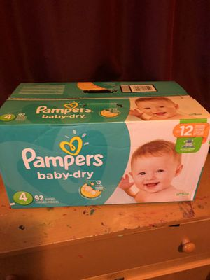 PAMPERS DIAPERS SIZE 4 for Sale in Tacoma, WA