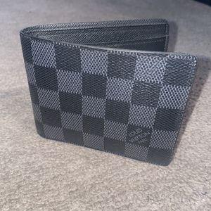 Louis Vuitton Slender ID Wallet Damier Graphite Black/Gray for Sale in Monroe Township, NJ