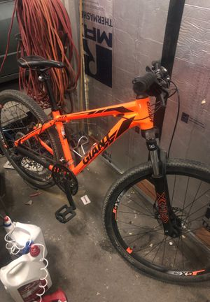 Giant mountain bike for Sale in Modesto, CA
