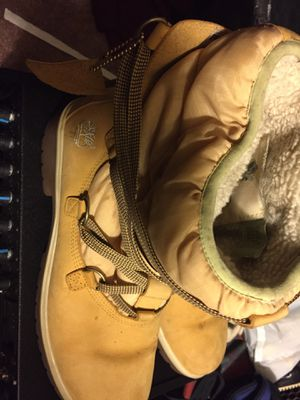 Lady's timberlands 9/1 half for Sale in MD, US
