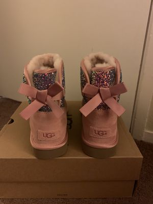 100% Authentic Brand New in Box UGG Classic Mini Bailey Bow Cosmos Boots / Color Pink / Women size 6 for Sale in Lafayette, CA