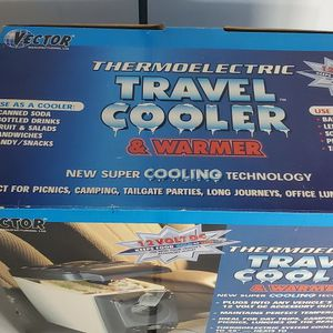 Vector Thermoelectric Travel Cooler & Warmer 1.3 Gal 5 Liter 12 Volt for Sale in Glendale, AZ