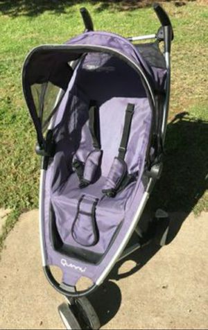!! Stroller, Quinny Lightweight & Compact for Sale in San Fernando, CA
