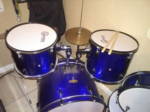 Gammon percussion drums set for Sale in Fresno, CA