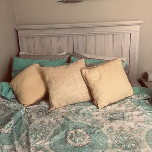 Full size bed with headboard and mattress for Sale in Chesapeake, VA