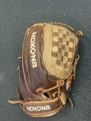 "Nokona, softball/baseball glove, 12"", American Buffalo for Sale in Fremont, CA"