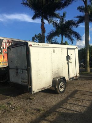 Trailer enclosed ready to use title in hand for Sale in Hialeah, FL