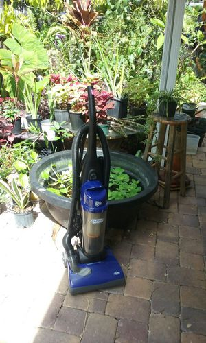 Dirt devil upright vacuum for Sale in Hollywood, FL