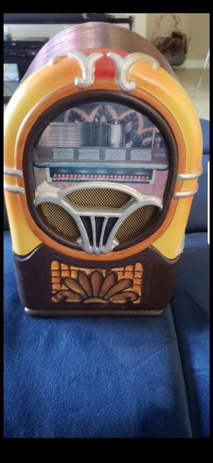 10In.x6in. TABLE TOP JUKE BOX! VINTAGE TAPE ONLY NO CD (BATTERY OPERATED) for Sale in Delray Beach, FL